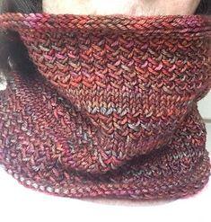 Ravelry: Simple Simon Cowl pattern by Hanna Illuzzi - Tuch Stricken Crochet Cowl Free Pattern, Loom Knitting Patterns, Lace Knitting, Crochet Shawl, Knitting Projects, Knit Crochet, Simple Knitting, Knitting Scarves, Crochet Geek
