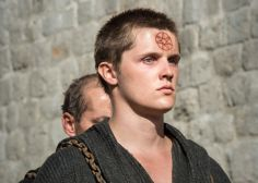 Eugene Simon Talks Upcoming Bloodshed In 'Game Of Thrones'