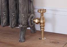 Daisy wheel manual radiator valve in brass with a inlet. For use with traditional cast iron radiators. Cast Iron Bath, Iron Steel, Radiators Modern, Radiator Valves, Room Dimensions, Steel Columns, House Interior, Contemporary Design, Chrome