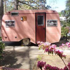pinky vintage caravan