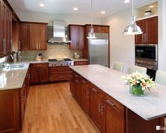 white kitchen cabinets with light granite countertops 1000 ideas about cherry cabinets on cherry 29026