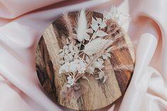 Boho Wedding, Wedding Blog, Elopement Inspiration, Intimate Weddings, Buttonholes, Color Schemes, Wedding Decorations, Joy, Elegant