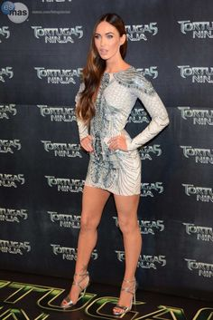 Megan Fox in a sizzling mini dress and strappy high heels Megan Fox Legs, Megan Denise Fox, Megan Fox Fotos, Sexy Dresses, Short Dresses, Dress Shorts Outfit, Megan Fox Pictures, Streetwear, Hottest Female Celebrities