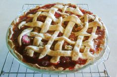 Rhubarb Strawberry Pie with Coconut Oil Pie Crust