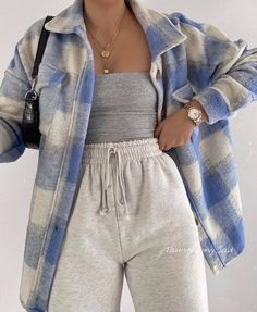 Cute Lazy Outfits, Retro Outfits, Stylish Outfits, Easy School Outfits, Cute Outfits With Leggings, Everyday Casual Outfits, Stylish Girl, Simple Outfits, Winter Fashion Outfits