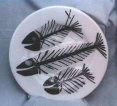 Ghost Fish - black Bullseye hand pulled stringers with clear iridescent overlay Ceramic Fish, Fused Glass, Iridescent, Overlays, Decorative Plates, Ceramics, Tableware, Inspiration, Black