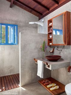 diy bathroom remodel ideas is certainly important for your home. Whether you pick the upstairs bathroom remodel or minor bathroom remodel, you will create the best diy home decor for apartments for your own life. Indian Home Decor, Indian Bedroom Decor, Home Living, Bathroom Interior, Bathroom Inspiration, Bathroom Ideas, Bathroom Beach, Mirror Bathroom, Bathroom Toilets