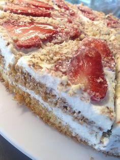 Epres paleo torta Cookie Desserts, Fun Desserts, Cake Recipes, Dessert Recipes, Dessert Ideas, Protein Cake, Healthy Cake, Healthy Recipes, Paleo Dessert