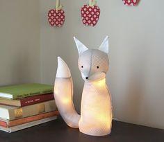 Cet adorable renard lumineux décore parfaitement la #chambre de vos enfants