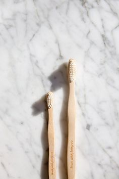Bamboo toothbrush to help eliminate plastic pollution. Great for traveling or at home! Biodegradable Plastic, Biodegradable Products, Reusable Things, Sonicare Toothbrush, Best Teeth Whitening, House Of Beauty, Vintage Packaging, Teeth Care, Plastic Pollution