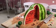 A Delicious Pink Velvet Cake That Looks Just Like A Real Watermelon Lemon Recipes, New Recipes, Mcdonalds, Pink Velvet Cakes, Chocolate Angel, Enjoy Your Meal, Recipe For Teens, Watermelon Cake, Cake Pictures