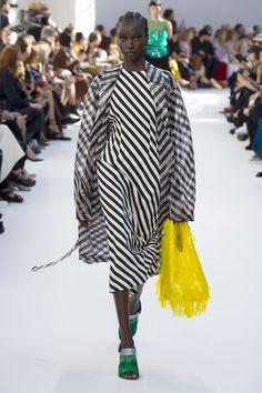 de00d21bc1 Dries Van Noten Spring 2019 Ready-to-Wear Fashion Show