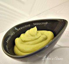 Mousse de avocado cu ou Mousse, Peanut Butter, Avocado, Food, Sweets, Salads, Lawyer, Essen, Meals