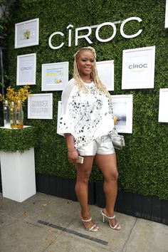 And I went for dazzle in a Glish top from Patricia Field, Norma Kamali shorts, and Giuseppe Zanotti white sandals.