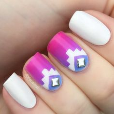 Gradient tribal mani. (by @thenailtrail on IG)