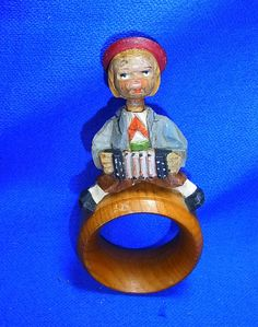 Vintage Italian ANRI Wood Carved Napkin Ring Moveable Head with Accordeon #P2