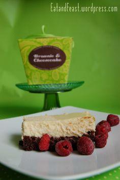 Black 'n White Cheesecake mit Brownieboden