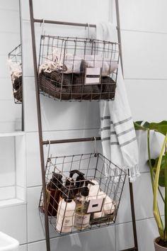 Amazing Bathroom Wall Decor Ideas Will Inspire Your Home / Design Laundry In Bathroom, Bathroom Wall Decor, Bathroom Interior, Eco Bathroom, Minimal Bathroom, Washroom, Room Interior Design, Interior Decorating, Interior Livingroom