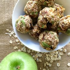Apple pie energy bites-Packed with fresh apples, dried cranberries, nuts, and warm spices, these bite-sized snacks are full of protein and boost your . Healthy Homemade Snacks, Quick Snacks, Diet Snacks, Snack Recipes, Cooking Recipes, Healthy Recipes, Healthy Desserts, Healthy Meals, Healthy Food