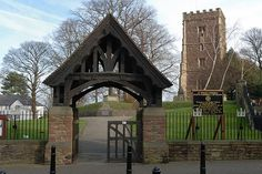 033-20070205NX_Newport-St Woolos Cath-from W-Lychgate by Nick Kaye, via Flickr