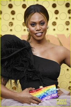 """Laverne Cox attends the Emmy Awards in Los Angeles, California (September Winner Announcement, Laverne Cox, Julia Louis Dreyfus, Glamour Makeup, The Emmys, Favorite Tv Shows, My Photos, Awards, Actresses"