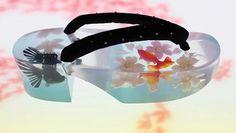 - アクリル下駄 / 飾り用 ☆Acrylic Geta, not practical but for display o… Acrylic clogs / decorative ☆ Acrylic Geta, not practical but for display only. Japanese Outfits, Japanese Fashion, Asian Fashion, Fancy Shoes, Crazy Shoes, Modern Kimono, Cheap Vinyl, Wedding Kimono, Kimono Dress