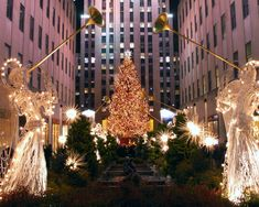 Nowhere else celebrates the Christmas quite like New York City. The Best Cities to visit for Christmas-www.casualtravelist.com