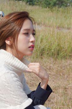 Pretty ❤️ Twice Mina Nayeon, Kpop Girl Groups, Korean Girl Groups, Kpop Girls, Elsword, Sana Momo, Twice Kpop, Myoui Mina, Japanese American