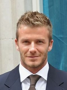 Throughout the years, Beckham has had different styles of hair that have gone from short hair to medium, to long hair. Here are 45 best David Beckham haircuts. Faux Hawk Hairstyles, Boy Hairstyles, Men Hairstyle Short, Hairstyles For Teen Boys, Men Haircut Short, Mens Hairstyles 2014, Fohawk Haircut, Celebrity Hairstyles, Mens Fashion Blog