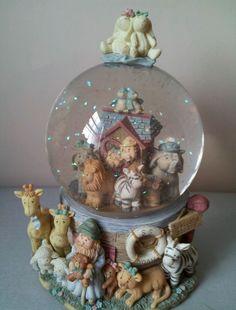 San Francisco Music Box Noah's Ark Snow globe Raindrops keep falling on my head