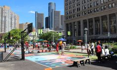 Look, we've all been there. You want to get out of the house, but you think there's not enough moneyto leave to the house. But you still want to have fun, right? Or find a good deal and enjoy Detroit? Fear not, we have 25 cheap, inexpensive and/or free things to do in Detroit and