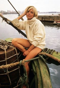 The Weekend Digest: Photo Susannah York, English Actresses, Iconic Women, British Actors, Girl Gang, Cannes Film Festival, Best Actress, Beautiful Legs, Preppy Style