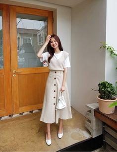 Long Skirt Fashion, Korean Fashion Dress, Korean Street Fashion, Ulzzang Fashion, Korea Fashion, Korean Outfits, Modest Fashion, Fashion Dresses, Cute Casual Outfits
