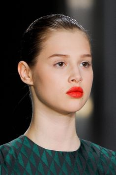bare face and red-orange lip at jonathan saunders fall 2012