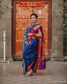 Marathi Saree, Marathi Bride, Beautiful Saree, Beautiful Roses, Nauvari Saree, Saree Photoshoot, Indian Beauty, Art Photography, Sari