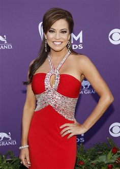 Robin Meade Debuts Country CD