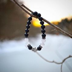 You have the courage and power to live your dreams. - Les Brown  30 days of clean drinking water is donated with every item purchased.  in support of @wateraidcanada  #mala #malabeads #yoga #nature #liveyourdream