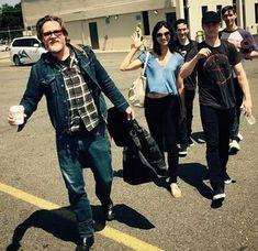 Gotham family walking to out to ✈️ Gotham Series, Gotham Cast, Gotham Tv, New Tv Series, Gotham Girls, Sherlock, Benjamin Mckenzie, Harvey Bullock, Penguin Gotham