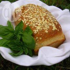 Chleb z suszonymi pomidorami i bazylią
