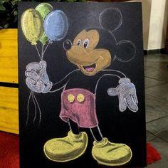 Arte em Lousa por @Clebcoli @clebcoliprojetos   Aniversário Tema: Mickey  #arteemlousa #arteemlousaporclebcoli #emminhafesta #lettering #mickey
