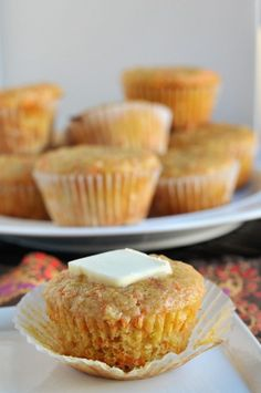 Pineapple and Carrot Muffins Pineapple Muffins, Pear Muffins, Yogurt Muffins, Coconut Muffins, Carrot Muffins, Pineapple Recipes, Carrot Cakes, Pineapple Coconut, Healthy Muffins