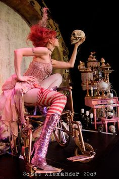 (via hellobestia)  Emilie Autumn from her Asylum tour.