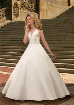 white wedding dress sweetheart neck a-line ball gowns