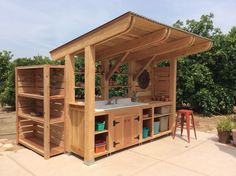 Backyard Bbq Shed Potting Tables Ideas