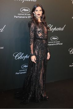 Look festa Sara Sampaio in ELIE SAAB Haute Couture at the Chopard Party during the annual Cannes Film Festival. Elie Saab, Event Dresses, Prom Dresses, Sara Sampaio, Glamour, Red Carpet Dresses, Red Carpet Fashion, Beautiful Gowns, Couture Fashion