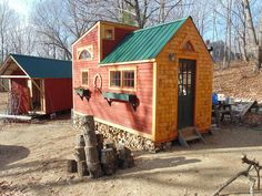 Cute exterior, I love the green metal roof and the red siding with natural trim and shingles, but the interior is a little too rustic and too small for my needs (140 sq ft)