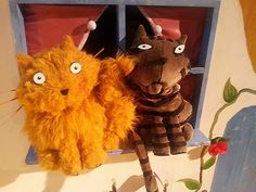 The two cats from What The Ladybird Heard Live  #dubai #kennywax #theatre #cats #drama