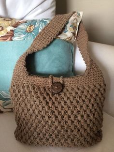 Crochet Handbags Crochet Purses Crochet Shell Stitch Purse Patterns Shoulder Bag Purses And Bags Fashion Mint Bag Handmade Bags Crochet Bag Tutorials, Crochet Purse Patterns, Crochet Tote, Crochet Handbags, Crochet Purses, Crotchet Bags, Knitted Bags, Crochet Shell Stitch, String Bag