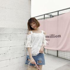 2017-Summer-New-Fashion-Women-Off-Shoulder-Short-Sleeve-Korean-Lace-Slim-Tops