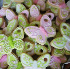 Many many different images of butterfly cookies, with links to source pages.